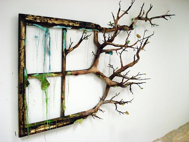 сожженные картины в рамах от Валери Хегарти
