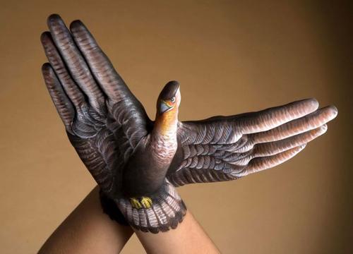 голубь из кисти руки